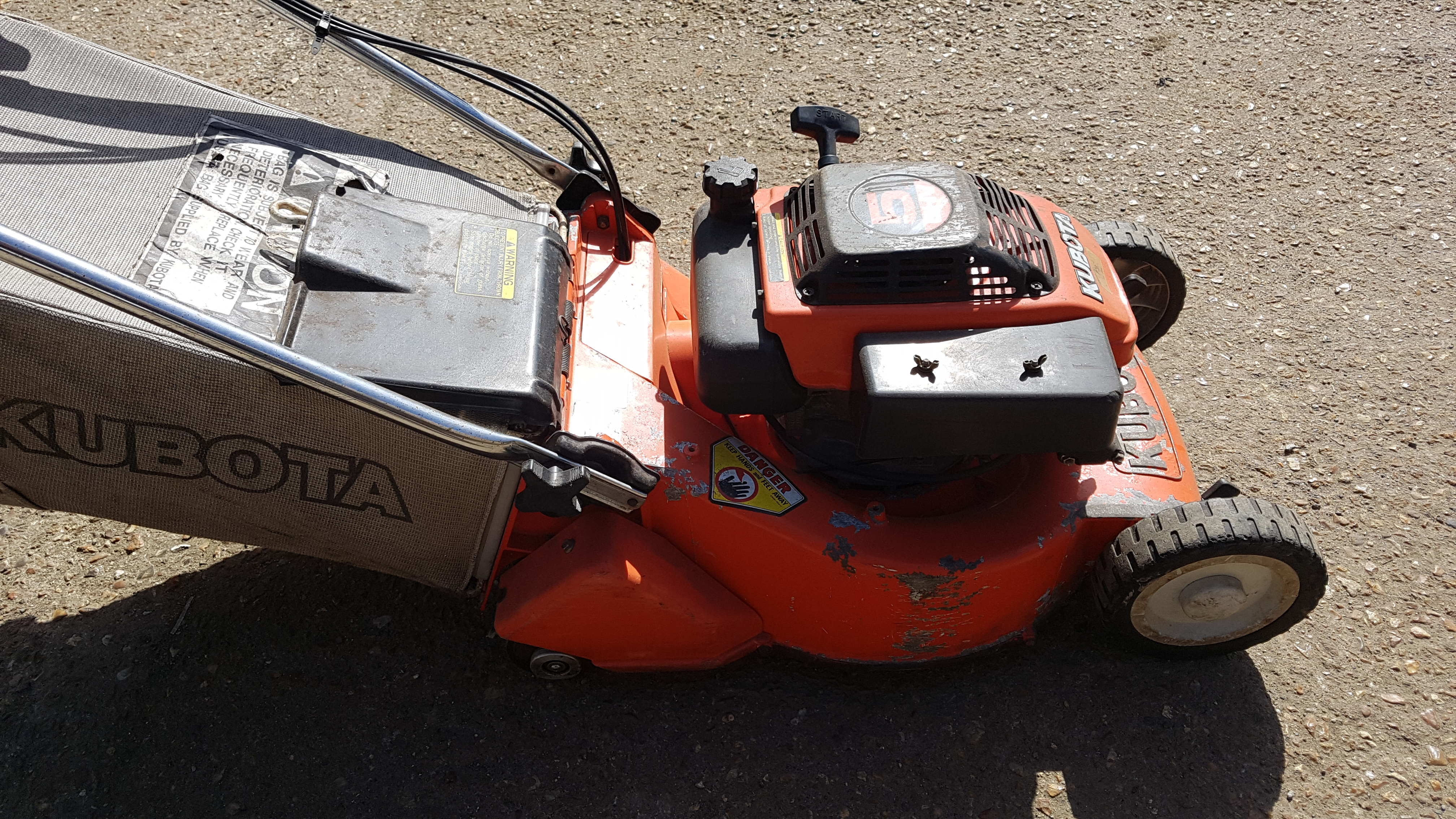kubota-w5019-self-propelled-mower-with-rear-roller
