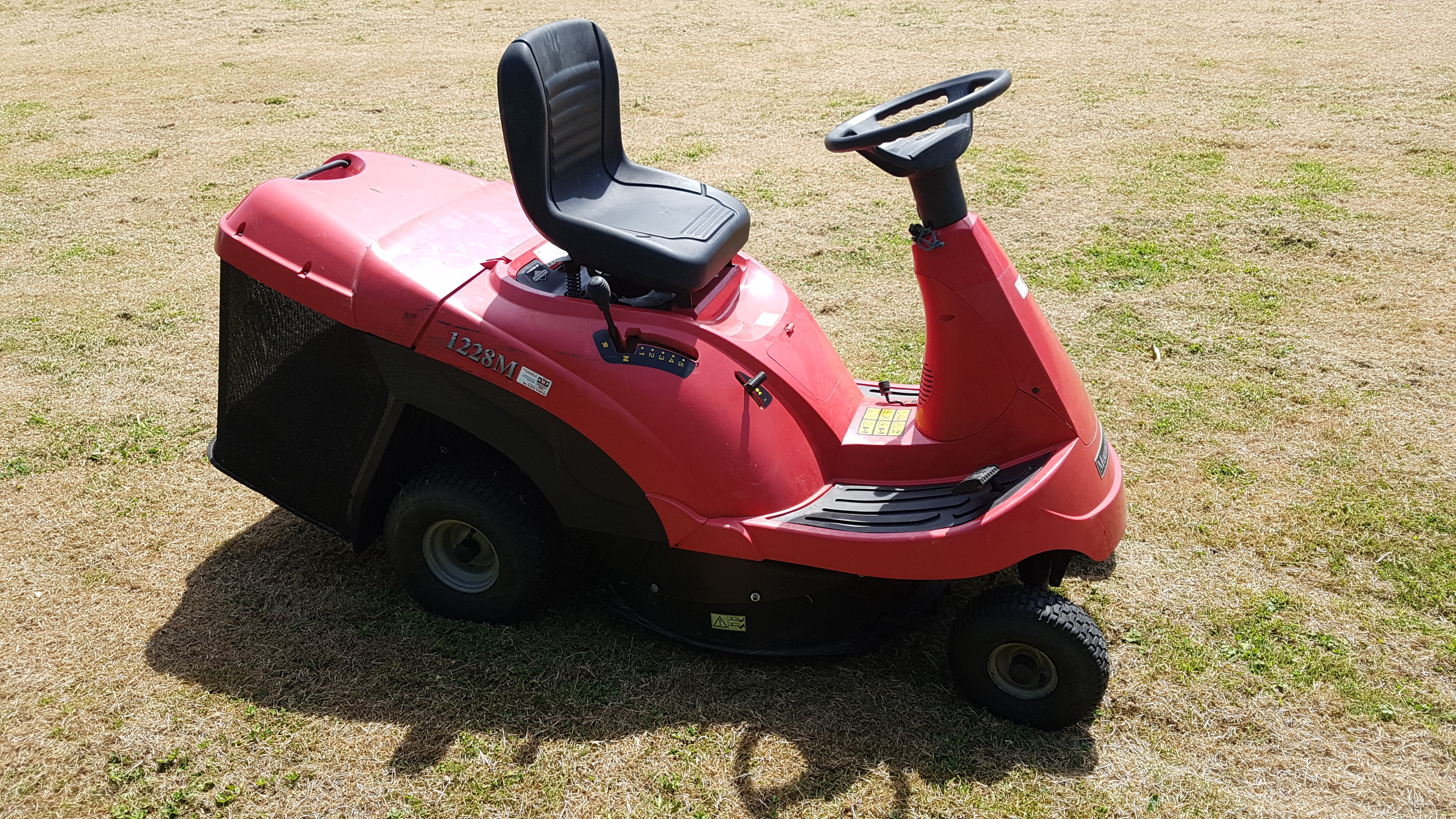 mountfield-1228m-ride-on-mower