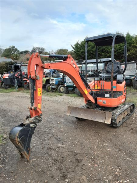 used-kubota-u17-3a--17t-excavator-with-rubber-tracks-and-rops-frame-2014